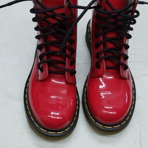 Dr.martins air walks cherry red style 1460